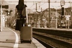 ταξίδι που αφήνει τη γυναίκα Στοκ Εικόνα