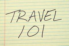Ταξίδι 101 σε ένα κίτρινο νομικό μαξιλάρι Στοκ Εικόνες