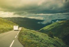 Ταξίδι στο φορτηγό τροχόσπιτων rv Στοκ φωτογραφία με δικαίωμα ελεύθερης χρήσης
