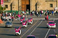 Ταξί κύκλων σε Zocalo στην Πόλη του Μεξικού Στοκ Φωτογραφίες