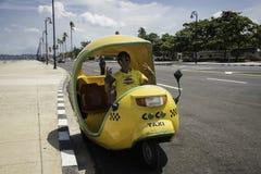 ταξί της Αβάνας κοκοφοινί&k Στοκ φωτογραφίες με δικαίωμα ελεύθερης χρήσης