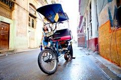 Ταξί Biki ποδηλάτων στην παλαιά Αβάνα/την Κούβα Στοκ εικόνα με δικαίωμα ελεύθερης χρήσης