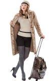 Ταξιδιωτική γυναίκα με μια τσάντα Στοκ Εικόνες
