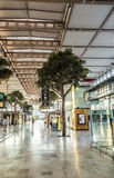 Ταξιδιώτες στο σταθμό τρένου Αγίου Charles στη Μασσαλία Στοκ εικόνες με δικαίωμα ελεύθερης χρήσης
