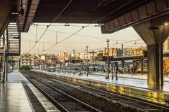 Ταξιδιώτες στο σταθμό τρένου Αγίου Charles στη Μασσαλία Στοκ Εικόνα