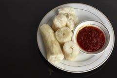 ταπιόκα ατμού με βυθισμένο sambal Στη Μαλαισία αυτά τα τρόφιμα αποκαλούμενα στοκ φωτογραφία