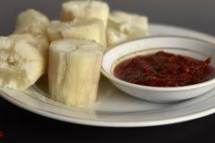 ταπιόκα ατμού με βυθισμένο sambal Στη Μαλαισία αυτά τα τρόφιμα αποκαλούμενα στοκ φωτογραφίες