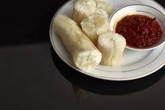 ταπιόκα ατμού με βυθισμένο sambal Στη Μαλαισία αυτά τα τρόφιμα αποκαλούμενα στοκ φωτογραφίες με δικαίωμα ελεύθερης χρήσης