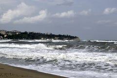 Ταραχώδη κύματα Στοκ Φωτογραφία