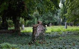 ταφόπετρα παλαιά στοκ εικόνες