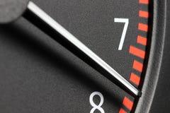 Ταχύμετρο στην κόκκινη σφαίρα Στοκ εικόνα με δικαίωμα ελεύθερης χρήσης