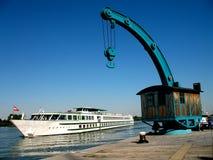 ταχύπλοο σκάφος γερανών Στοκ φωτογραφία με δικαίωμα ελεύθερης χρήσης
