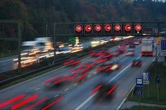 ταχύτητα νύχτας ορίου Στοκ φωτογραφία με δικαίωμα ελεύθερης χρήσης