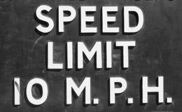 ταχύτητα σημαδιών ορίου Στοκ Φωτογραφίες