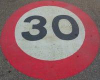 ταχύτητα τριάντα ορίου Στοκ φωτογραφία με δικαίωμα ελεύθερης χρήσης