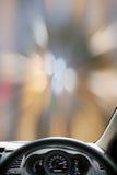 Ταχύτητες ταμπλό αυτοκινήτων ενώ στο δρόμο car driving fast Στοκ εικόνα με δικαίωμα ελεύθερης χρήσης