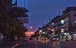 Ταϊλάνδη, Pattaya, 27.06.2017 εξισώνοντας οδοί και αυτοκίνητα στο ro Στοκ φωτογραφίες με δικαίωμα ελεύθερης χρήσης