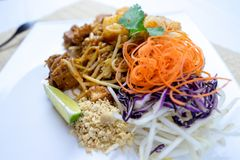 Ταϊλανδικά διάσημα τρόφιμα οδών μαξιλαριών στην Ταϊλάνδη Στοκ Εικόνες