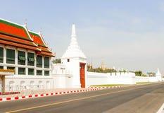 Ταϊλανδικά μεγάλα παλάτι αρχιτεκτονικής τοπίων και phra Wat keaw μέσα Στοκ εικόνες με δικαίωμα ελεύθερης χρήσης