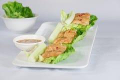 Ταϊλανδικά τρόφιμα και λαχανικό με το άσπρο υπόβαθρο στοκ εικόνα