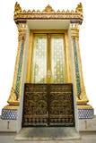 Ταϊλανδική ζωγραφική πορτών ναών στοκ φωτογραφία