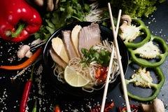 Ταϊλανδική ισορροπημένη κουζίνα σούπα νουντλς διατροφής διατροφής Στοκ Φωτογραφία
