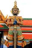 Ταϊλανδικοί ιεροί γίγαντες στο phra wat kaew Στοκ Εικόνες