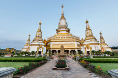 Ταϊλανδικός ναός, Wat Chai Mongkol στοκ εικόνες
