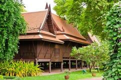 ταϊλανδικός παραδοσιακός ξύλινος ύφους σπιτιών Στοκ Φωτογραφία
