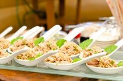 ταϊλανδικός παραδοσιακός σαλάτας τροφίμων κοτόπουλου larb Στοκ φωτογραφία με δικαίωμα ελεύθερης χρήσης