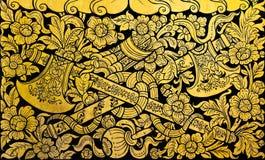 ταϊλανδικός τοίχος προτύπων τσεκουριών διαγώνιος χρυσός Στοκ φωτογραφία με δικαίωμα ελεύθερης χρήσης