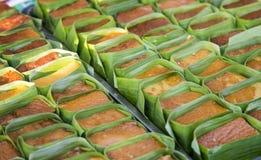 Ταϊλανδικό επιδόρπιο κρέμας με το φύλλο μπανανών στο αρτοποιείο Στοκ εικόνες με δικαίωμα ελεύθερης χρήσης