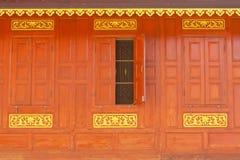 ταϊλανδικό παράθυρο tradtional ύφους σπιτιών στοκ φωτογραφία με δικαίωμα ελεύθερης χρήσης