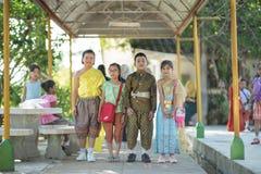 Ταϊλανδικό παραδοσιακό φόρεμα παιδιών Στοκ Εικόνες