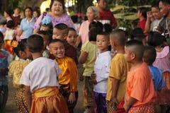 Ταϊλανδικό φόρεμα της Ταϊλάνδης παιδιών στοκ εικόνα