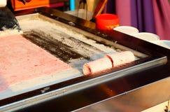 Ταϊλανδός ανακατώνει το τηγανισμένο παγωτό στοκ φωτογραφία με δικαίωμα ελεύθερης χρήσης