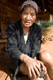 Ταϊλάνδη, μια ηλικιωμένη γυναίκα από την εθνική ομάδα Akha Στοκ Φωτογραφίες