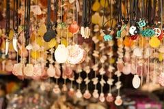 Ταϊλανδικά αναμνηστικά στην αγορά των εμπόρων στα νησιά του δεσμού του James Στοκ φωτογραφίες με δικαίωμα ελεύθερης χρήσης