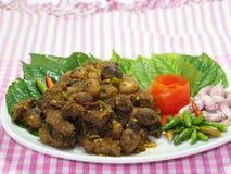 Ταϊλανδικά νότια τρόφιμα, βόειο κρέας που τηγανίζεται με το κάρρυ τσίλι Στοκ Εικόνες