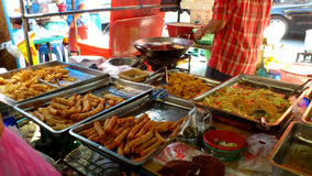 Ταϊλανδικά τηγανισμένα πρόχειρα φαγητά Στοκ φωτογραφίες με δικαίωμα ελεύθερης χρήσης