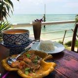 Ταϊλανδικά τρόφιμα στην παραλία στοκ εικόνες