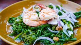 Ταϊλανδικά τρόφιμα Dilicious, Chayote με τις γαρίδες Στοκ Φωτογραφίες