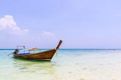 Ταϊλανδικές παραδοσιακές βάρκες στη θάλασσα. Στοκ εικόνες με δικαίωμα ελεύθερης χρήσης