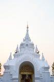Ταϊλανδική σχηματισμένη αψίδα είσοδος Στοκ εικόνες με δικαίωμα ελεύθερης χρήσης