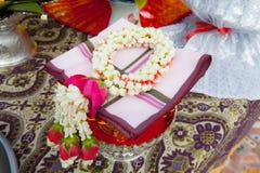 Ταϊλανδική γιρλάντα, ταϊλανδική γιρλάντα λουλουδιών ύφους φρέσκια. Στοκ εικόνα με δικαίωμα ελεύθερης χρήσης