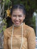 Ταϊλανδική γυναίκα πορτρέτου κατά τη διάρκεια του φεστιβάλ φεγγαριών χρώματος Phangan, Ταϊλάνδη Στοκ Φωτογραφίες