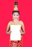 Ταϊλανδική κυρία που κρατά ένα κενό σημάδι στοκ εικόνες