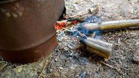 Ταϊλανδική παραδοσιακή σόμπα αργίλου ξυλάνθρακα καίγοντας Στοκ εικόνες με δικαίωμα ελεύθερης χρήσης