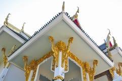 Ταϊλανδική παραδοσιακή τέχνη στο ανώτατο όριο του ναού, Ταϊλάνδη Στοκ εικόνα με δικαίωμα ελεύθερης χρήσης