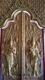 Ταϊλανδική πόρτα ύφους στο teme Στοκ φωτογραφία με δικαίωμα ελεύθερης χρήσης